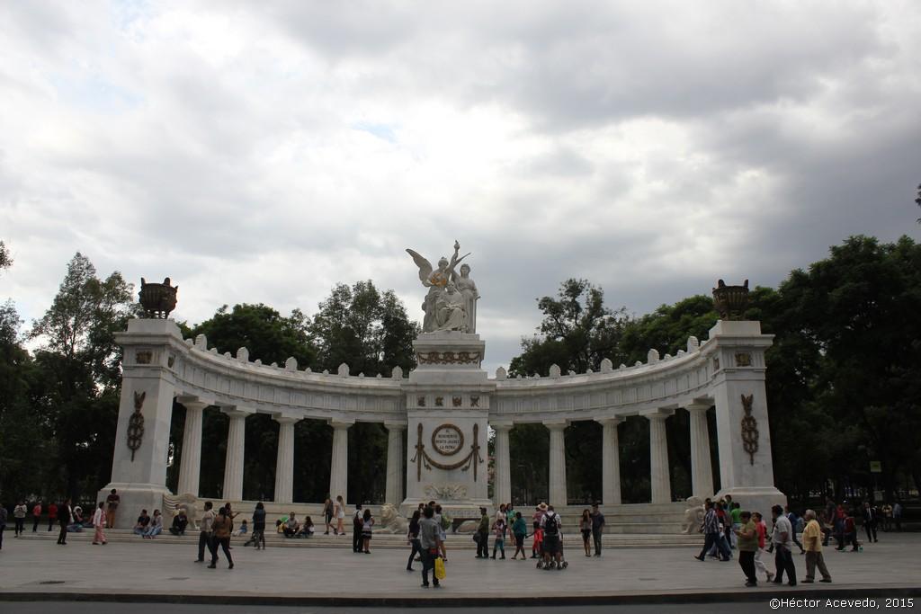Hemiciclo a Benito Juárez 2